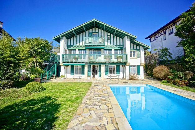 location-vacances-bidart-villa-vue-mer-piscine-parking-plage-a-pied-coeur-village-ocean-montagne-002