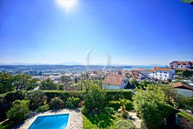 location-vacances-bidart-villa-vue-mer-piscine-parking-plage-a-pied-coeur-village-ocean-montagne-022
