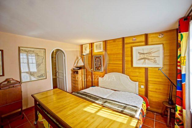 location-vacances-bidart-villa-vue-mer-piscine-parking-plage-a-pied-coeur-village-ocean-montagne-033