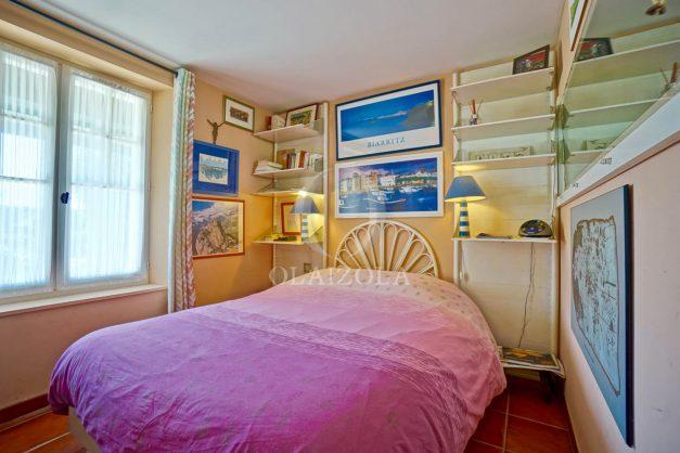 location-vacances-bidart-villa-vue-mer-piscine-parking-plage-a-pied-coeur-village-ocean-montagne-036