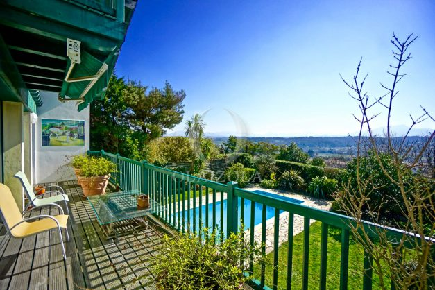 location-vacances-bidart-villa-vue-mer-piscine-parking-plage-a-pied-coeur-village-ocean-montagne-047