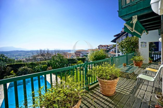 location-vacances-bidart-villa-vue-mer-piscine-parking-plage-a-pied-coeur-village-ocean-montagne-048