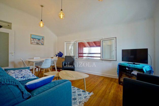 location-vacances-biarritz-appartement-T2-proche-centre-ville-plages-vue-mer-port-vieux-parking-005