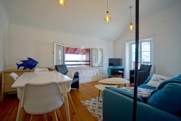 location-vacances-biarritz-appartement-T2-proche-centre-ville-plages-vue-mer-port-vieux-parking-008