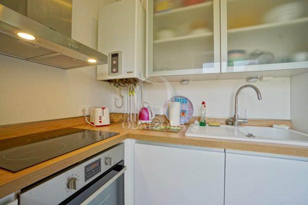 location-vacances-biarritz-appartement-T2-proche-centre-ville-plages-vue-mer-port-vieux-parking-012