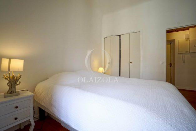 location-vacances-biarritz-appartement-T2-proche-centre-ville-plages-vue-mer-port-vieux-parking-014