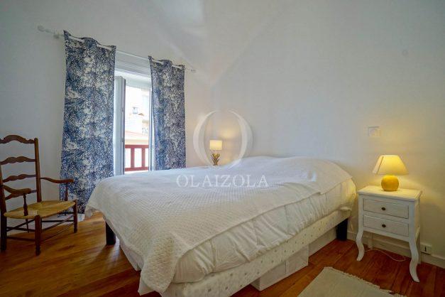 location-vacances-biarritz-appartement-T2-proche-centre-ville-plages-vue-mer-port-vieux-parking-017