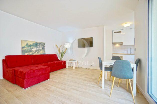 location-vacances-biarritz-appartement-proche-grande-plage-centre-ville-refait-a-neuf-4-personnes-residence-imperiale-parking-002