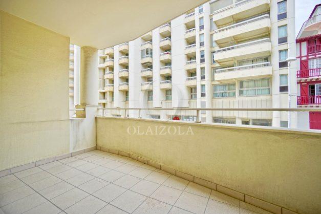 location-vacances-biarritz-appartement-proche-grande-plage-centre-ville-refait-a-neuf-4-personnes-residence-imperiale-parking-010