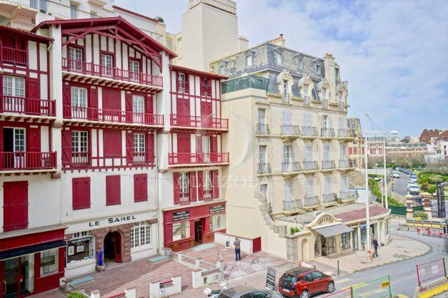location-vacances-biarritz-appartement-proche-grande-plage-centre-ville-refait-a-neuf-4-personnes-residence-imperiale-parking-012