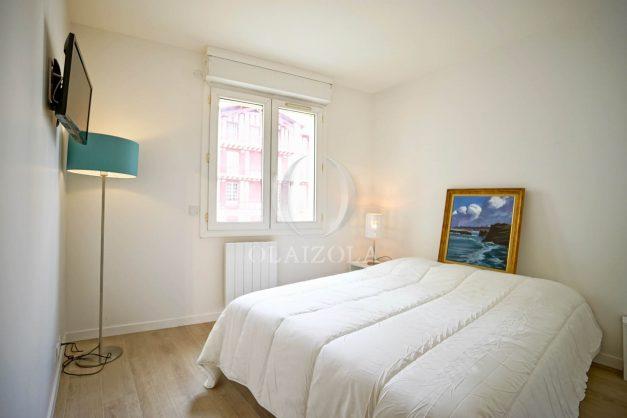 location-vacances-biarritz-appartement-proche-grande-plage-centre-ville-refait-a-neuf-4-personnes-residence-imperiale-parking-015