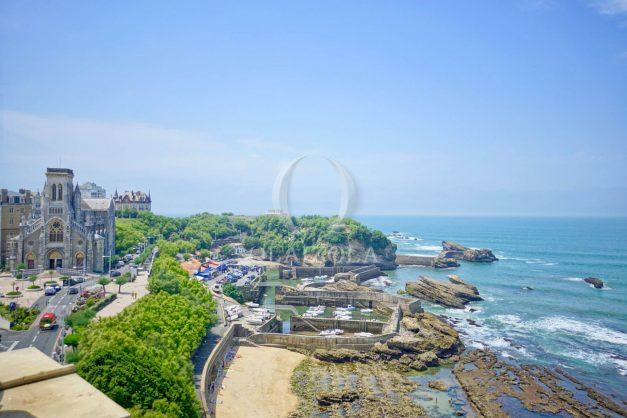 location-vacances-biarritz-clemenceau-vue-mer-dernier-etage-2pieces-vue-port-003