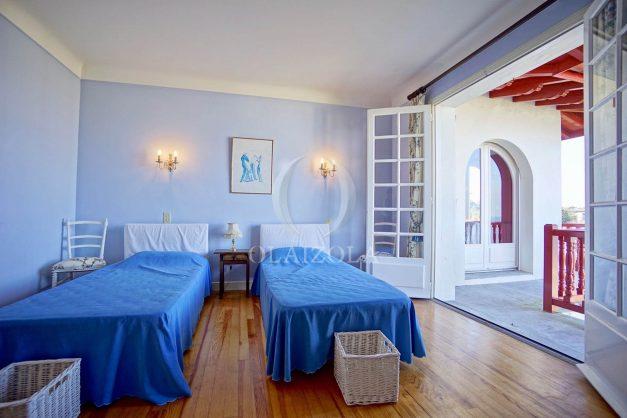 location-vacances-ciboure-bordagain-saint-jean-de-luz-vue-mer-villa-maison-terrasse-plein-sud-plage-socoa-a-pied-surf-golf-saint-jean-de-luz-046