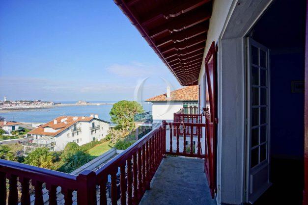 location-vacances-ciboure-bordagain-saint-jean-de-luz-vue-mer-villa-maison-terrasse-plein-sud-plage-socoa-a-pied-surf-golf-saint-jean-de-luz-049
