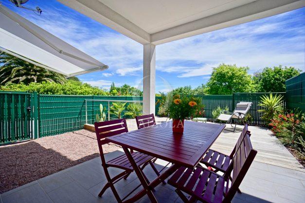 location-vacances-bidart-appartement-vue-montagne-terrasse-plein-sud-proche-mer-centre-village-plage-a-pied-biarritz-a-5-min-001