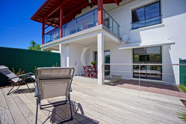 location-vacances-bidart-appartement-vue-montagne-terrasse-plein-sud-proche-mer-centre-village-plage-a-pied-biarritz-a-5-min-005