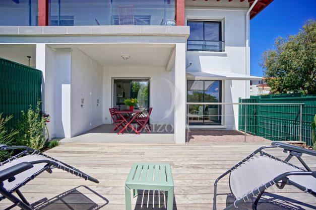 location-vacances-bidart-appartement-vue-montagne-terrasse-plein-sud-proche-mer-centre-village-plage-a-pied-biarritz-a-5-min-006