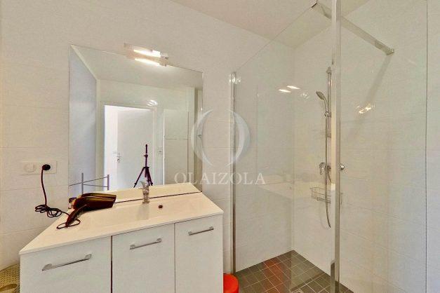 location-vacances-bidart-appartement-vue-montagne-terrasse-plein-sud-proche-mer-centre-village-plage-a-pied-biarritz-a-5-min-023