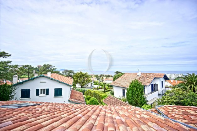 vue-mer-biarritz-location-vacances-maison-villa-plages-luxe-vue-mer-montagne-piscine-standing-unique-parking-prive-centre-ville-020