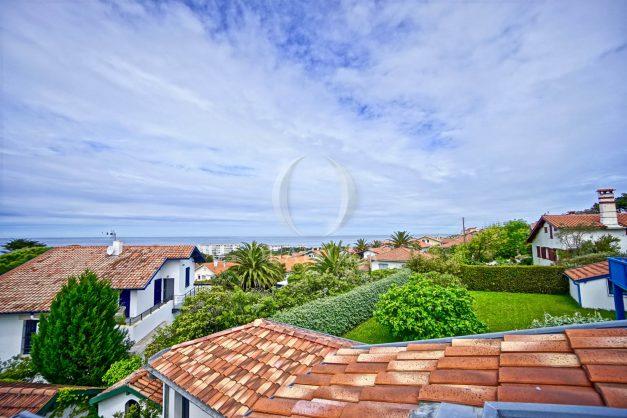 vue-mer-biarritz-location-vacances-maison-villa-plages-luxe-vue-mer-montagne-piscine-standing-unique-parking-prive-centre-ville-021