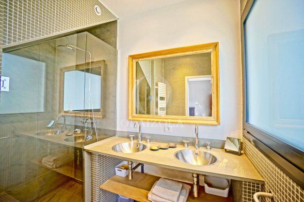 vue-mer-biarritz-location-vacances-maison-villa-plages-luxe-vue-mer-montagne-piscine-standing-unique-parking-prive-centre-ville-036