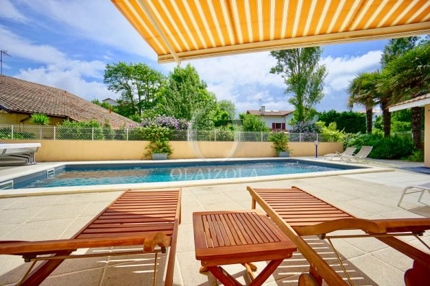 location-vacances-anglet-agence-olaizola—appartement-piscine-parking-cinq-cantons-chambre-d-amour-plage-a-pied-terrasse-plancha-007