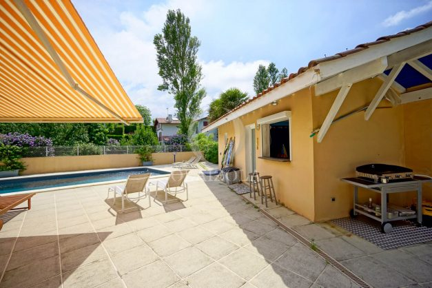 location-vacances-anglet-agence-olaizola—appartement-piscine-parking-cinq-cantons-chambre-d-amour-plage-a-pied-terrasse-plancha-009