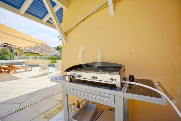 location-vacances-anglet-agence-olaizola—appartement-piscine-parking-cinq-cantons-chambre-d-amour-plage-a-pied-terrasse-plancha-010