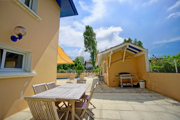 location-vacances-anglet-agence-olaizola—appartement-piscine-parking-cinq-cantons-chambre-d-amour-plage-a-pied-terrasse-plancha-011