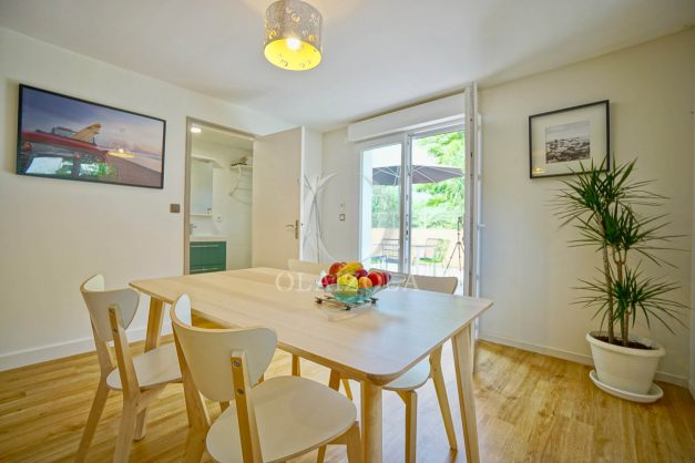 location-vacances-anglet-agence-olaizola—appartement-piscine-parking-cinq-cantons-chambre-d-amour-plage-a-pied-terrasse-plancha-015