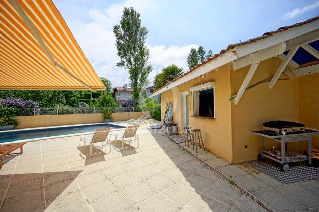 location-vacances-anglet-agence-olaizola-villa-piscine-parking-cinq-cantons-chambre-d-amour-plage-a-pied-terrasse-plancha-011