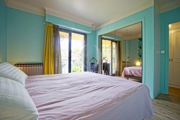 location-vacances-anglet-agence-olaizola-villa-piscine-parking-cinq-cantons-chambre-d-amour-plage-a-pied-terrasse-plancha-036