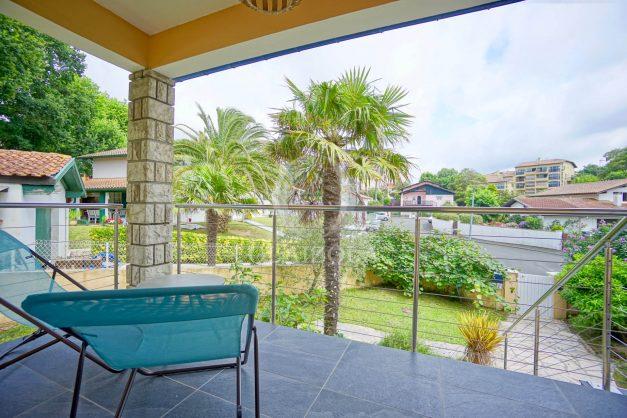 location-vacances-anglet-agence-olaizola-villa-piscine-parking-cinq-cantons-chambre-d-amour-plage-a-pied-terrasse-plancha-038