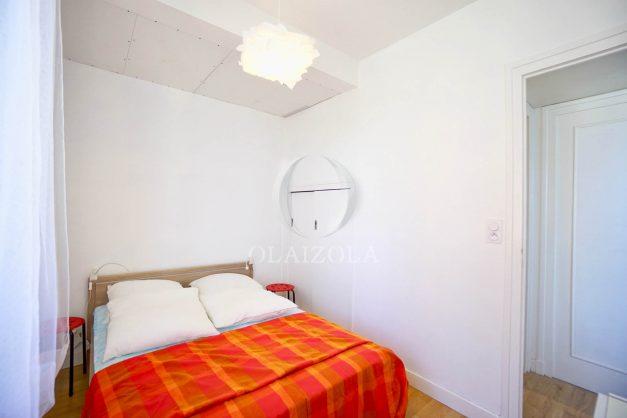 location-vacances-biarritz-agence-olaizola-cote-basque-plages-centre-ville-terrasse-vue-mer-parking-005