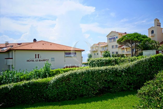 location-vacances-biarritz-agence-olaizola-proche-plage-milady-cote-des-basques-terrasse-parking-beaurivage-017