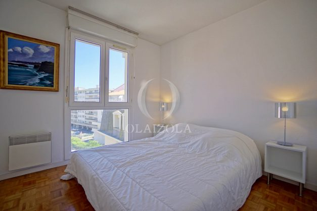 location-vacances-biarritz-appartement-t2-biarritz-centre-ville-plage-a-pied-parking-terrasse-009
