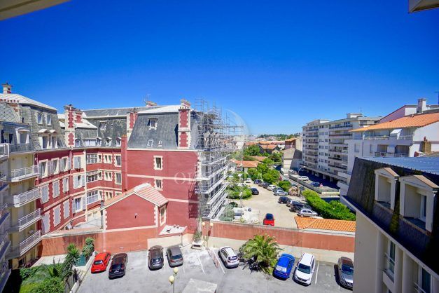 location-vacances-biarritz-appartement-t2-biarritz-centre-ville-plage-a-pied-parking-terrasse-012