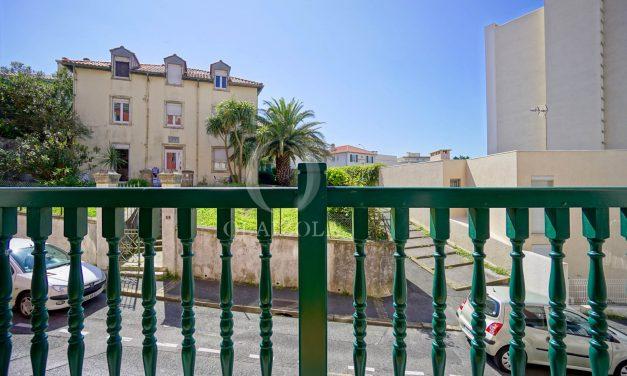 location-vacances-biarritz-appartement-t3-biarritz-centre-ville-plage-a-pied-apercu-mer-port-vieux-centre-ville-proches-halles-006
