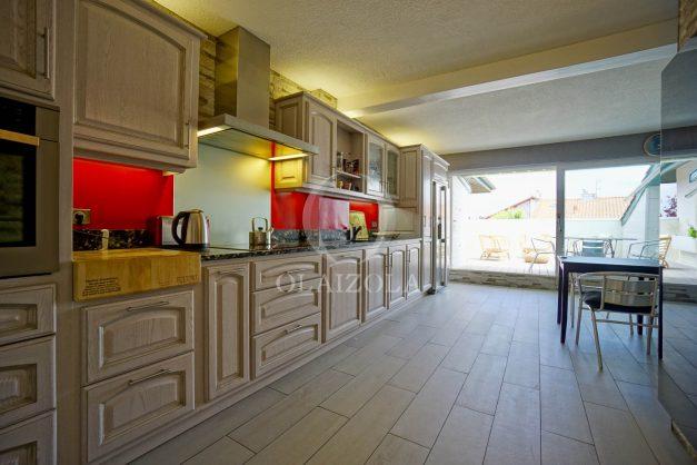 location-vacances-bidart-appartement-duplex-vue-montagne-mer-plage-a-pied-erretegia-proche-centre-commerce-residence-fronton-017