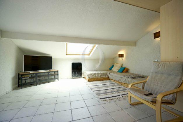 location-vacances-bidart-appartement-duplex-vue-montagne-mer-plage-a-pied-erretegia-proche-centre-commerce-residence-fronton-022