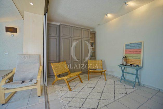 location-vacances-bidart-appartement-duplex-vue-montagne-mer-plage-a-pied-erretegia-proche-centre-commerce-residence-fronton-025