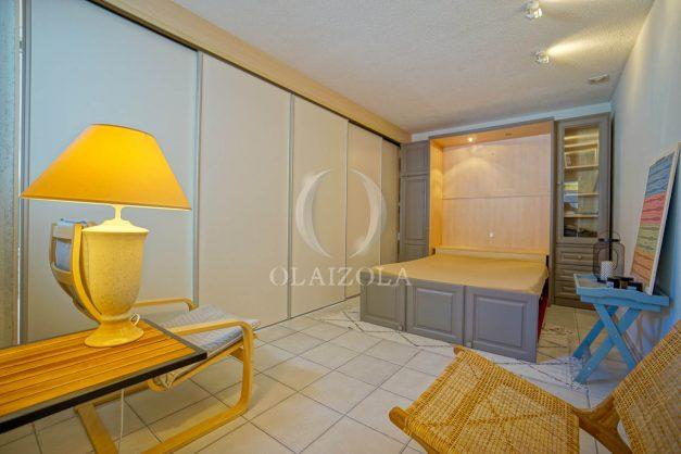 location-vacances-bidart-appartement-duplex-vue-montagne-mer-plage-a-pied-erretegia-proche-centre-commerce-residence-fronton-029