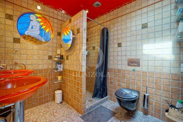 location-vacances-bidart-appartement-duplex-vue-montagne-mer-plage-a-pied-erretegia-proche-centre-commerce-residence-fronton-031