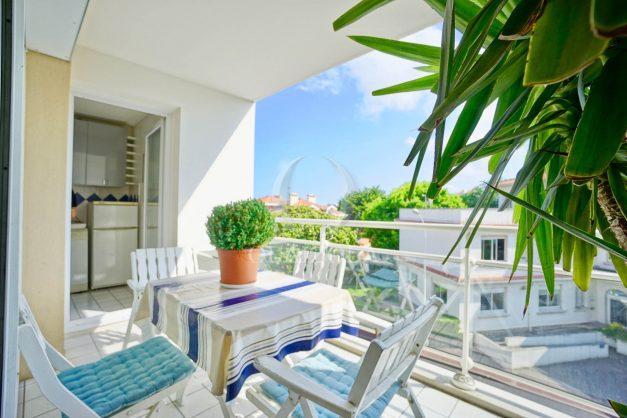 location-vacances-biarritz-agence-olaizola-appartement-centre-ville-terrasse-parking-plage-a-pied-001