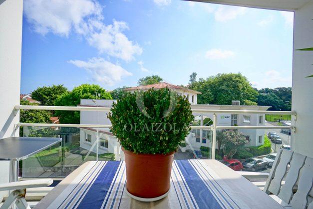 location-vacances-biarritz-agence-olaizola-appartement-centre-ville-terrasse-parking-plage-a-pied-002