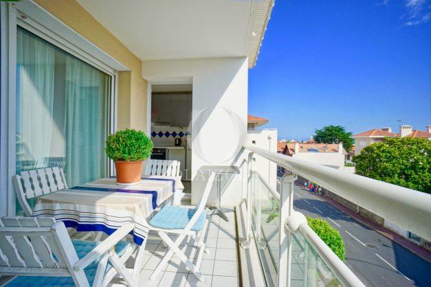 location-vacances-biarritz-agence-olaizola-appartement-centre-ville-terrasse-parking-plage-a-pied-003