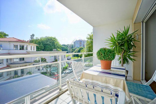 location-vacances-biarritz-agence-olaizola-appartement-centre-ville-terrasse-parking-plage-a-pied-004