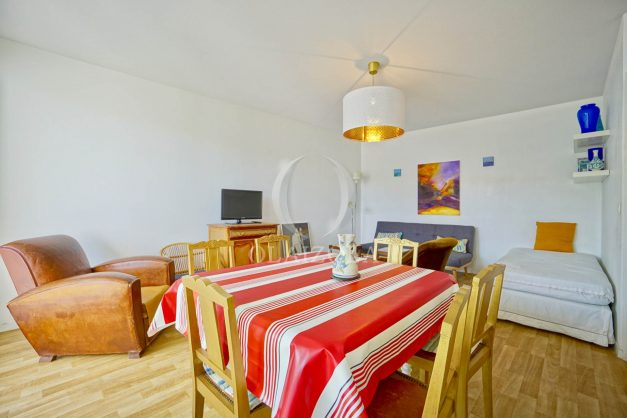 location-vacances-biarritz-agence-olaizola-appartement-centre-ville-terrasse-parking-plage-a-pied-008