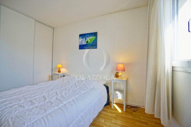 location-vacances-biarritz-agence-olaizola-appartement-centre-ville-terrasse-parking-plage-a-pied-013