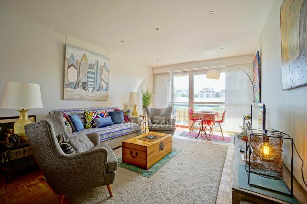 location-vacances-biarritz-appartement-type-2-balcon-centre-ville-vue-toit-2021-001